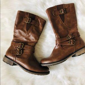 Baretraps Midcalf Boots
